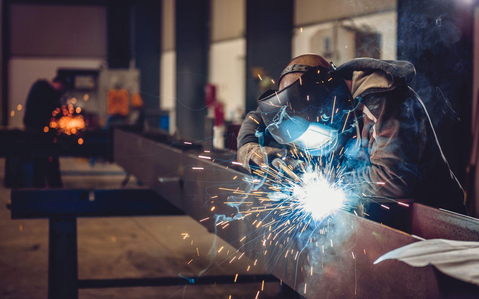 Metallbau Arbeiter bei Schlosser Grabner in Rohrbach